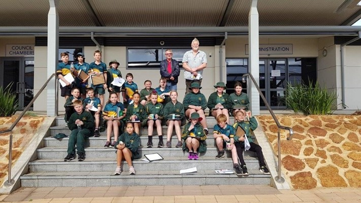 YEAR 6 STUDENTS VISIT TO SHIRE - With the Shire President & Deputy
